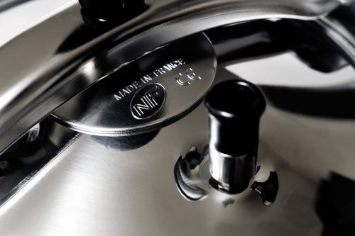 how to clean pressure cooker